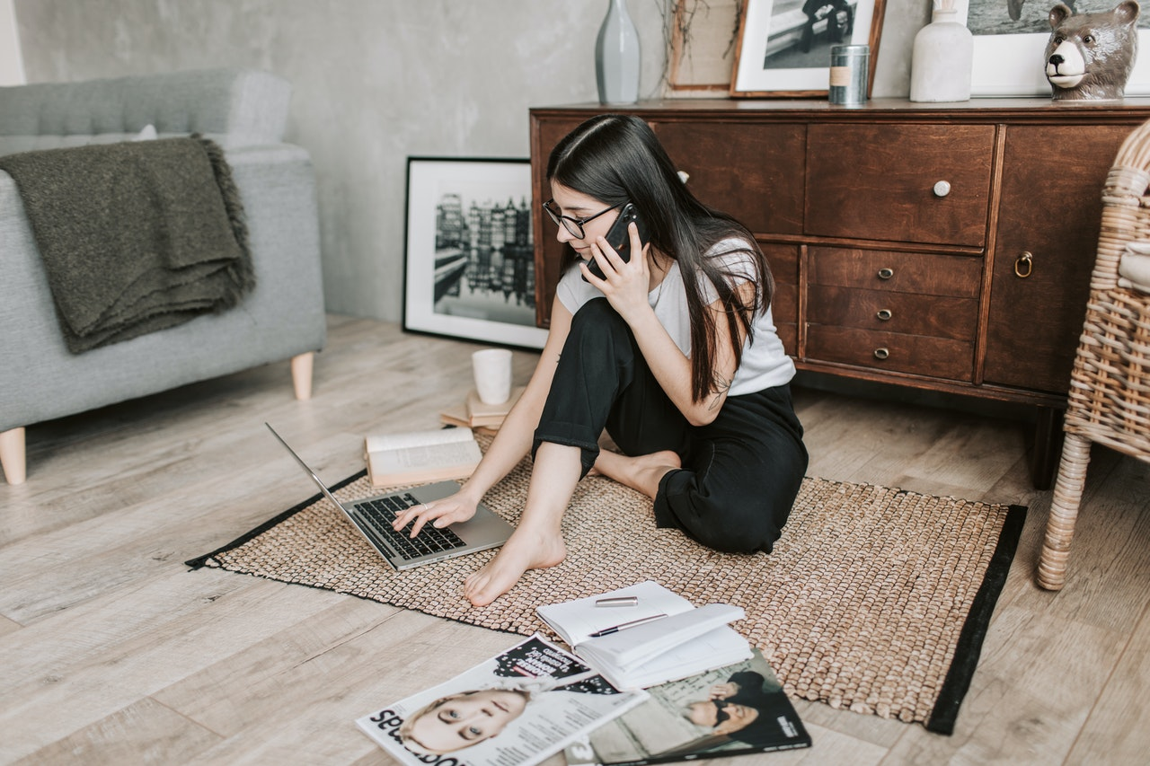 woman in a call on the floor